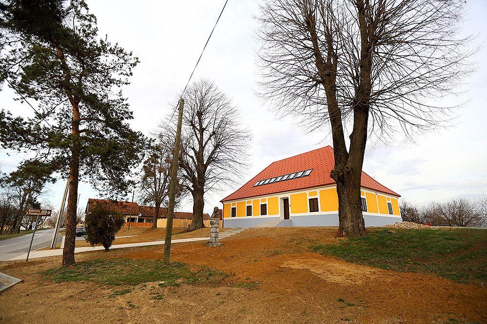 Rodna kuća Petra Preradovića 8