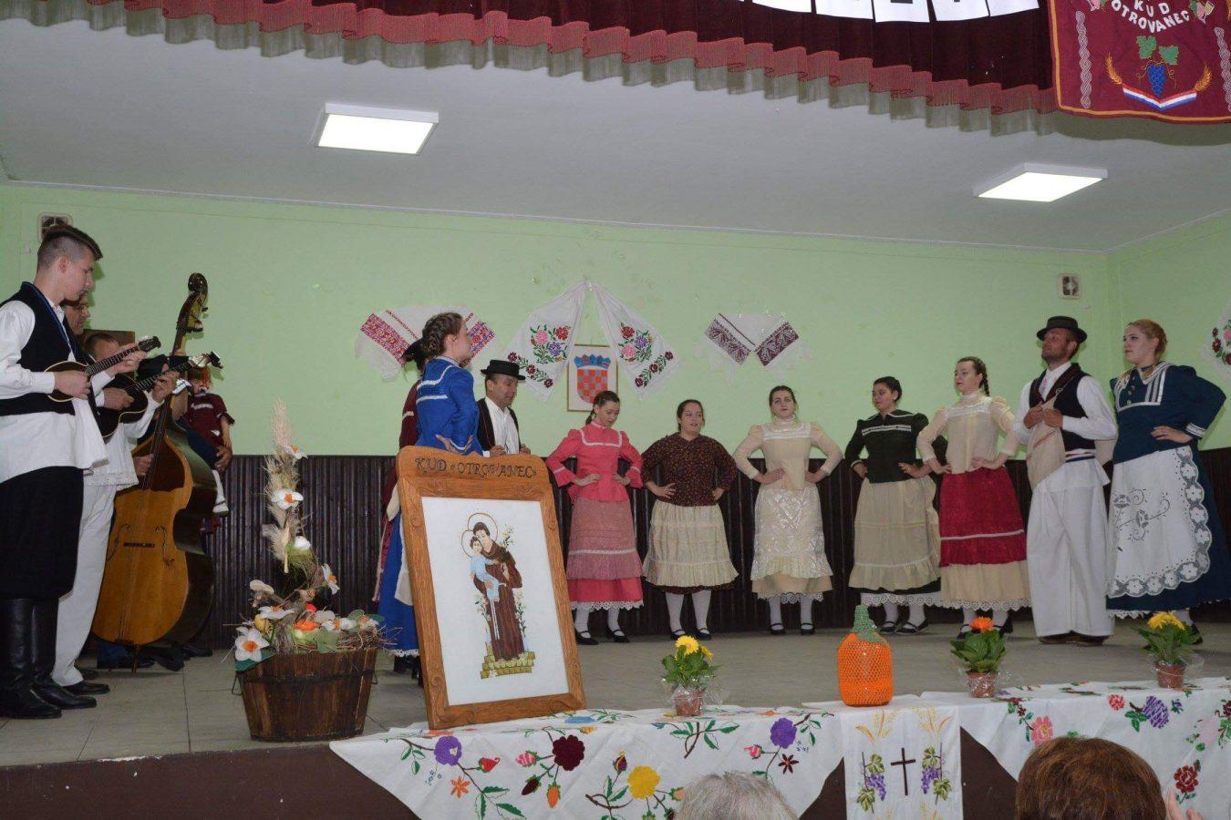 Folklorni susreti u Otrovancu (20)