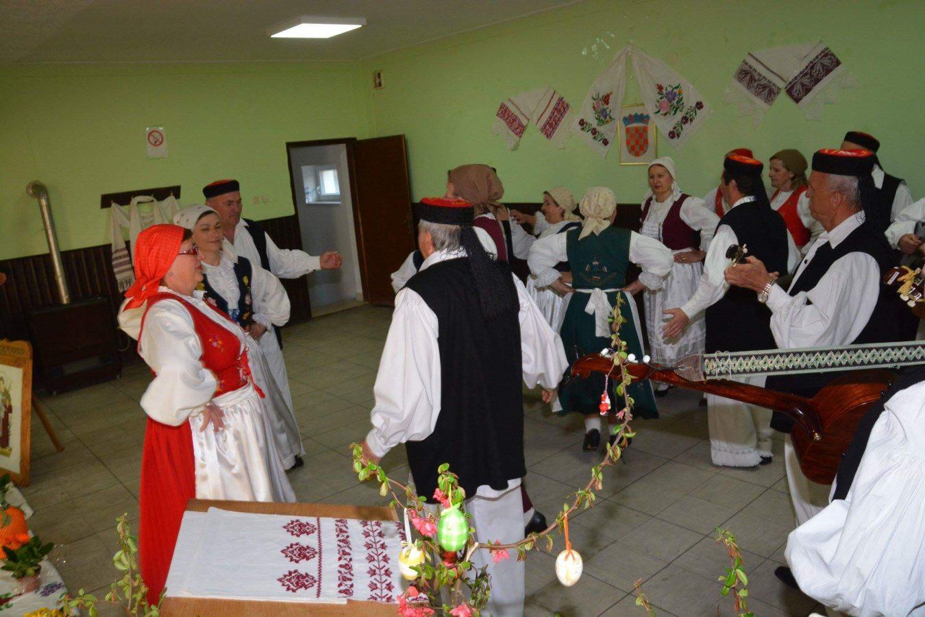 Folklorni susreti u Otrovancu (24)