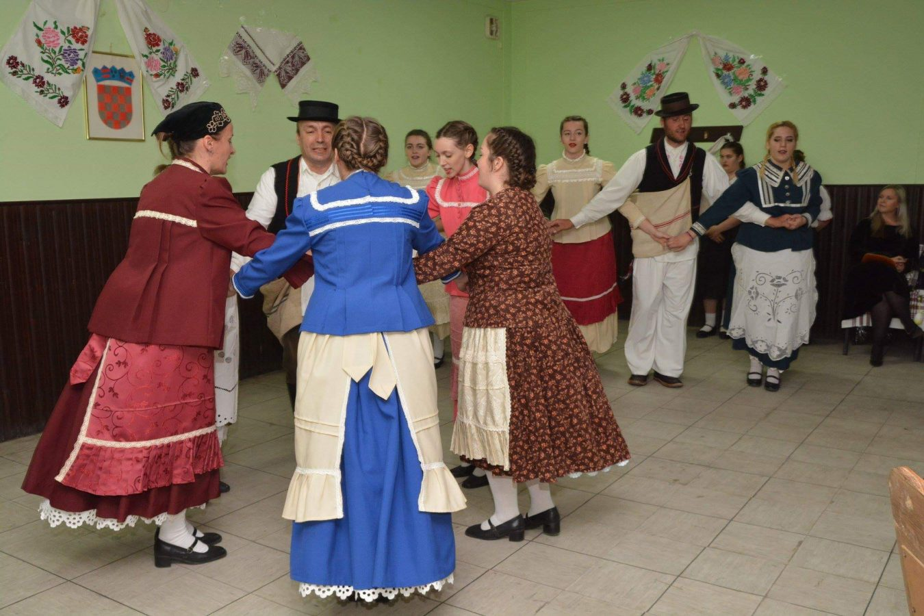 Folklorni susreti u Otrovancu (4)