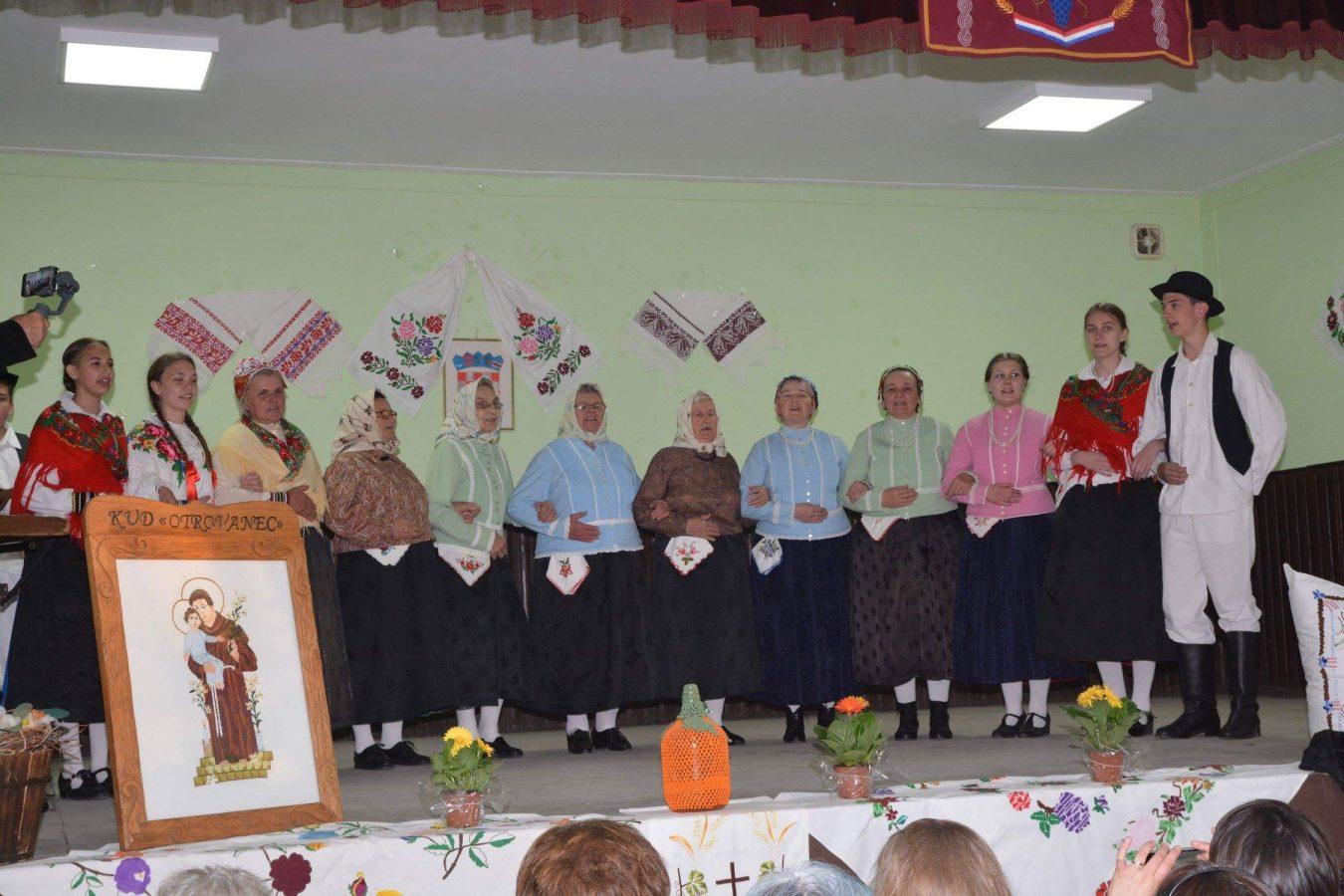 Folklorni susreti u Otrovancu (6)