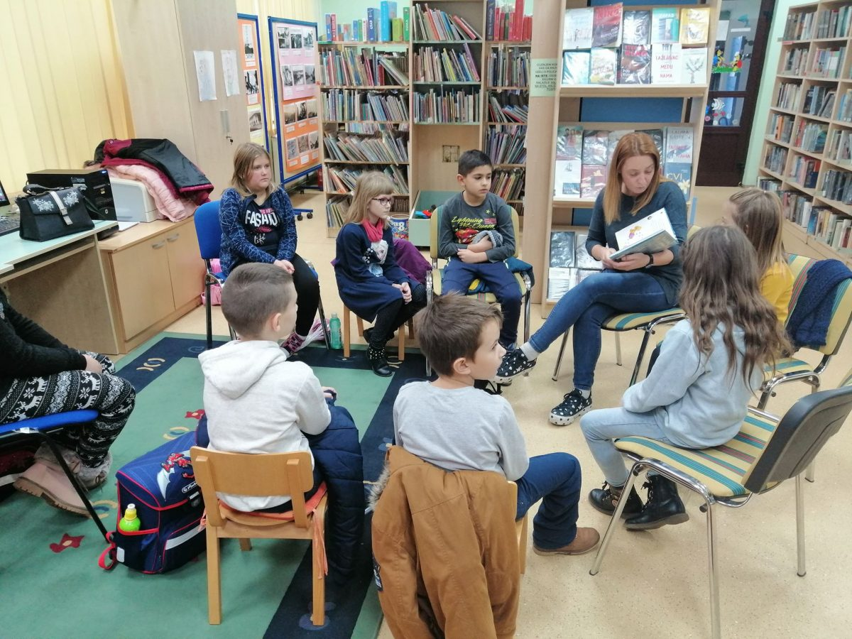 učenici područnih škola u posjetu knjižnici (2)